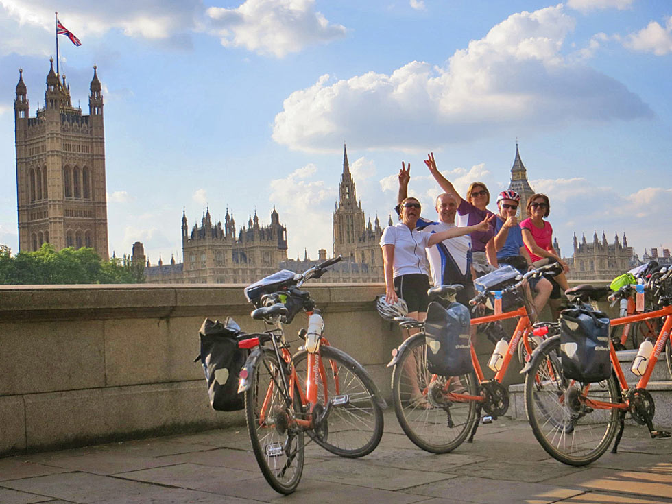 Cyclists in front of Big Ben